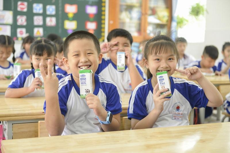 Chương trình Sữa học đường TPHCM được triển khai trên 24 quận huyện từ tháng 11/2020