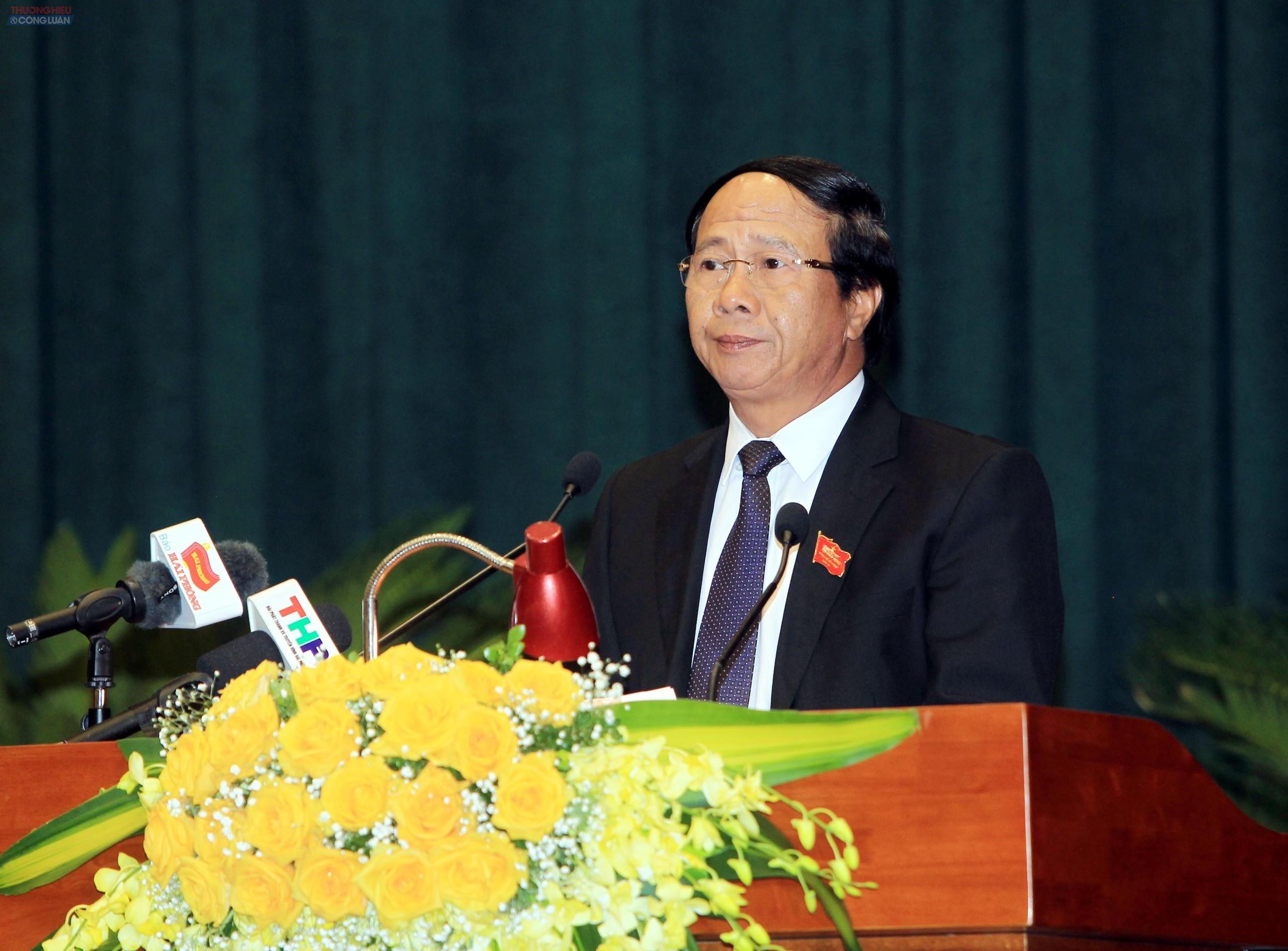 Đồng chí Lê Văn Thành, Ủy viên Trung ương Đảng, Bí thư Thành ủy, Chủ tịch HĐND thành phố - Chủ tọa kỳ họp