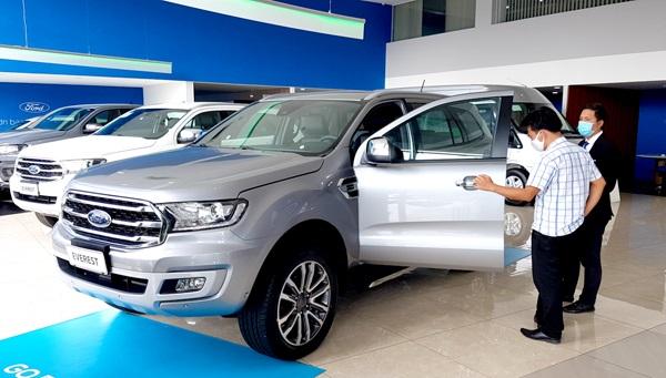 Ô tô con (dưới 9 chỗ ngồi) là một trong những nhóm hàng hóa có tổng mức bán lẻ tăng cao trong 10 tháng của năm 2020.