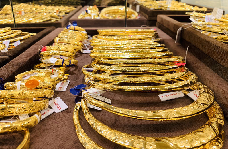 Giá vàng thế giới tăng 15 USD/ounce