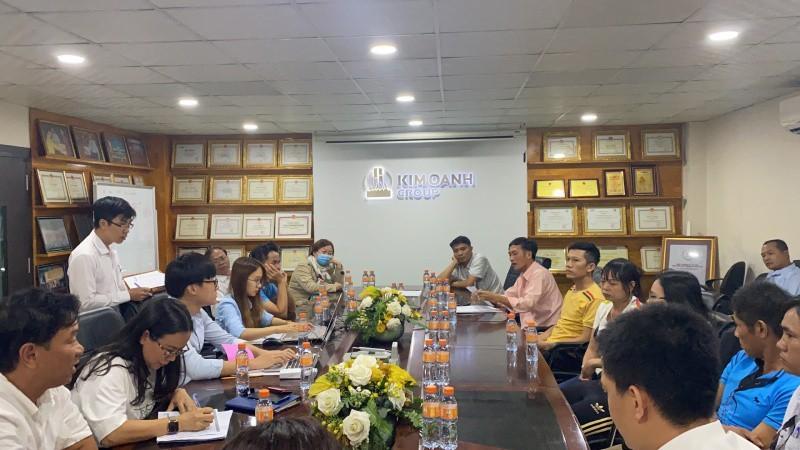 Kim Oanh đã họp các khách hàng, đề nghị thanh lý các hợp đồng đặt cọc.
