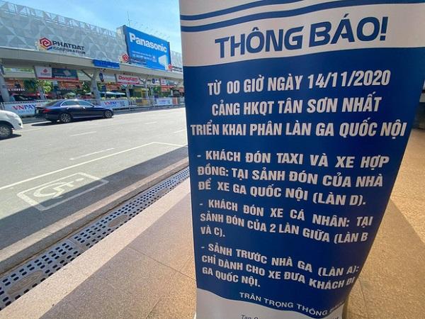 Băng rôn thông báo về điều chỉnh giao thông tại khu vực ga quốc nội