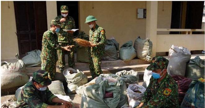 Cán bộ, chiến sĩ Đồn Biên phòng Chi Ma bắt giữ số lượng lớn dược liệu nhập lậu