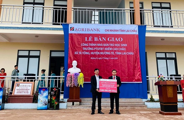 Lễ bàn giao công trình nhà bán trú cho Trường Phổ thông Dân tộc bán trú (PTDTBT) Tiểu học - THCS Nậm Ngà (xã Tà Tổng, huyện Mường Tè, Lai Châu)
