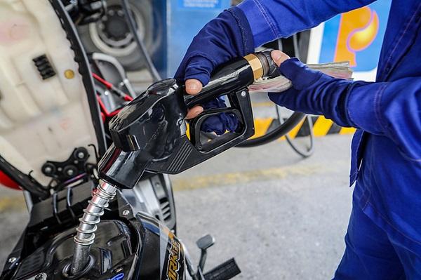 Giá xăng dầu tăng trở lại trước thông tin OPEC + cắt giảm sản lượng dầu thô