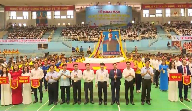 Lễ khai mạc Hội khỏe Phù Đổng tỉnh Thái Nguyên lần thứ XVII, năm học 2020 - 2021 tại Trung tâm Dịch vụ và Thi đấu Thể thao tỉnh.