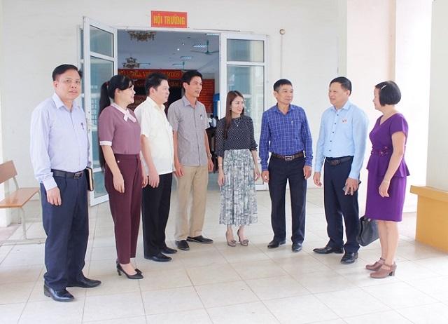 hó trưởng Đoàn ĐBQH tỉnh Trần Văn Tiến tiếp xúc cử tri huyện Tam Dương