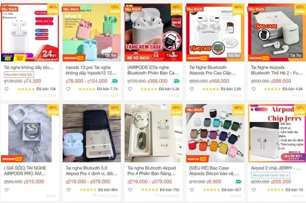 Những chiếc tai nghe AirPods hàng giả được bày bán công khai trên Shopee.