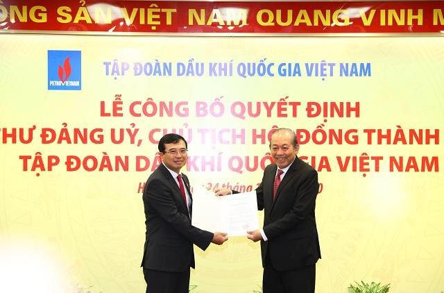 Phó Thủ tướng Thường trực Trương Hòa Bình trao quyết định bổ nhiệm Chủ tịch Tập đoàn Dầu khí