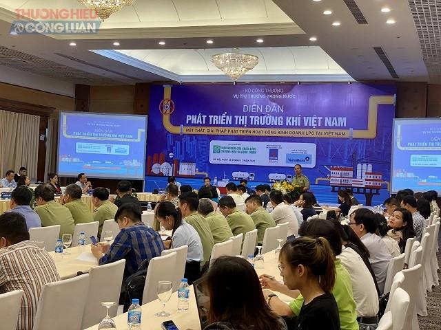 """Diễn đàn Phát triển thị trường khí Việt Nam: """"Nút thắt, giải pháp phát triển hoạt động kinh doanh LPG tại Việt Nam"""""""