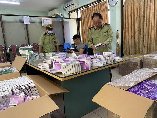 Lực lượng QLTT Hà Nội kiểm tra lô thuốc tân dược lậu