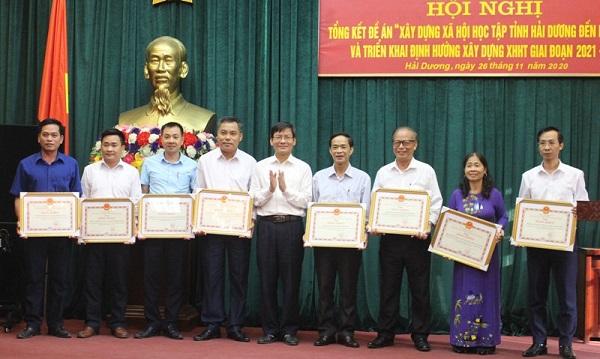 Những tập thể cá nhân được UBND tỉnh Hải Dương tặng bằng khen