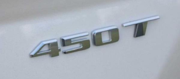 Huy hiệu bị gắn sai trên 1.155 xe Cadillac CT4