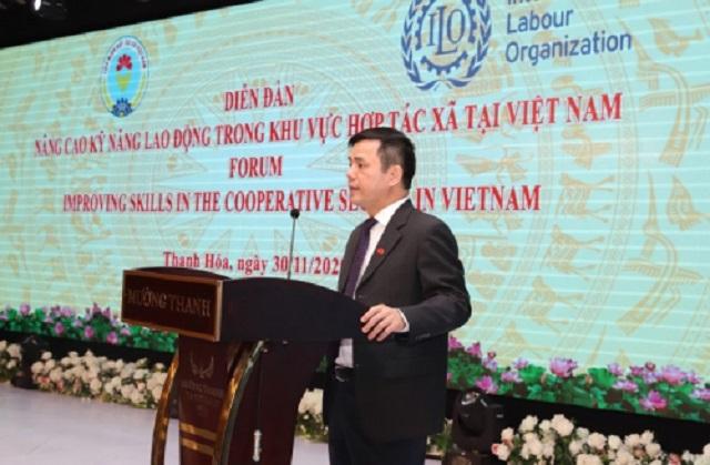 Ông Nguyễn Văn Thịnh - Phó Chủ tịch Liên minh HTX Việt Nam phát biểu tại diễn đàn.