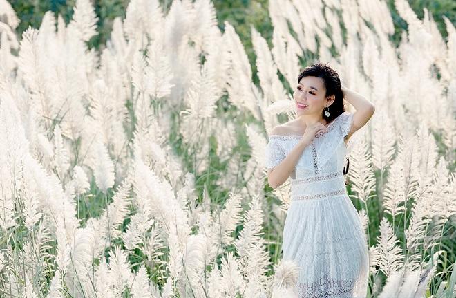 Cánh đồng cỏ lau ở Hà Nội bắt đầu nở rộ vào thời điểm cuối thu, đầu đông