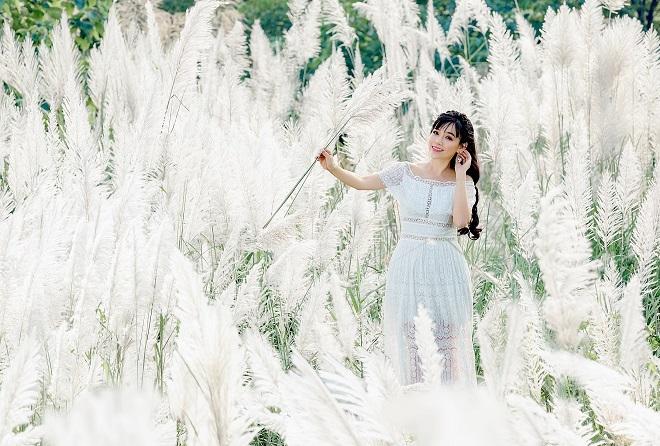 Cánh đồng lau trắng mang trong mình vẻ đẹp vô cùng khác biệt, hoang sơ, lãng mạn, đầy chất thơ