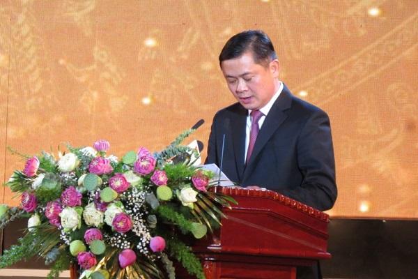 Bí thư Tỉnh ủy Nghệ An Thái Thanh Qúy đọc diễn văn tại buổi lễ