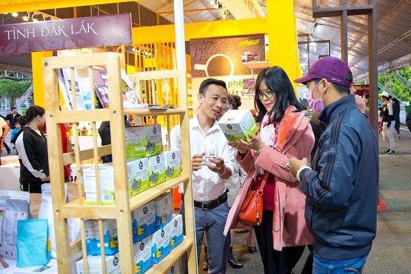 Chuỗi sự kiện năm nay sẽ tiếp tục quảng bá thương hiệu cà phê đặc sản đến từ các vùng, miền trồng cà phê trên khắp Việt Nam, các sản phẩm cà phê rang xay chất lượng của các doanh nghiệp sản xuất, kinh doanh cà phê trong nước và quốc tế