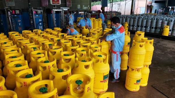 Giá gas tháng 12 tiếp tục tăng 6.500 đồng bình/12kg