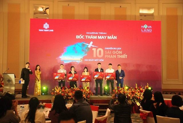 Toàn Thịnh Land đã gửi tới 10 khách hàng may mắn chuyến du lịch 2 ngày 1 đêm TP. HCM - Phan Thiết.