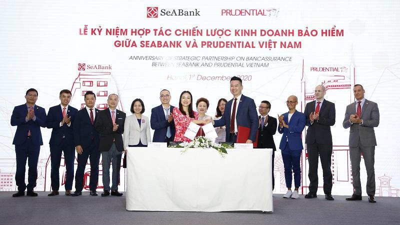 Với nền tảng dịch vụ ngân hàng số hiện đại, SeABank là ngân hàng đối tác đầu tiên triển khai phân phối sản phẩm bảo hiểm kỹ thuật số này của Prudential Việt Nam