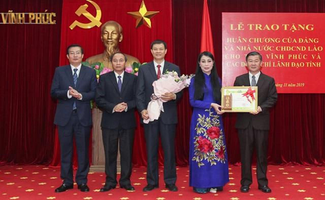 Vĩnh Phúc đón nhận Huân chương Phát triển hạng Nhất của Nhà nước Cộng hòa Dân chủ Nhân dân Lào