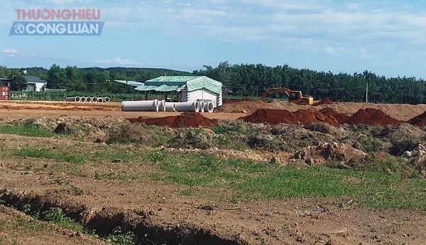 Ngày 24/11/2020, trên khu đất xuất hiện một vài máy công trình có dấu hiệu thi công rầm rộ.