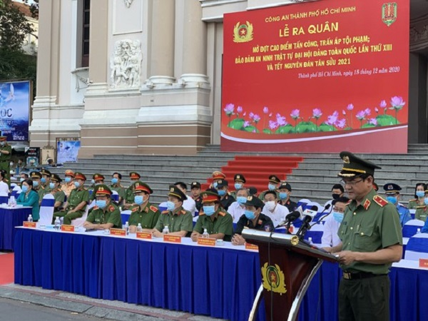 Thiếu tướng Lê Hồng Nam - Giám đốc Công an TPHCM phát biểu tại buổi lễ. Ảnh: CHÍ THẠCH