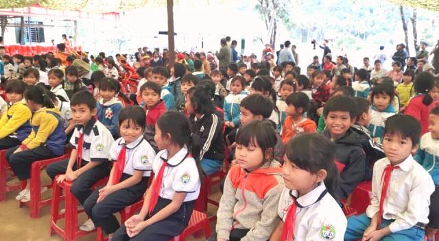 các em học sinh vui