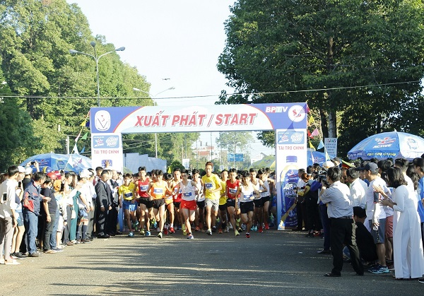 Giải diễn ra sôi nổi với sự tham dự của gần 700 VĐV