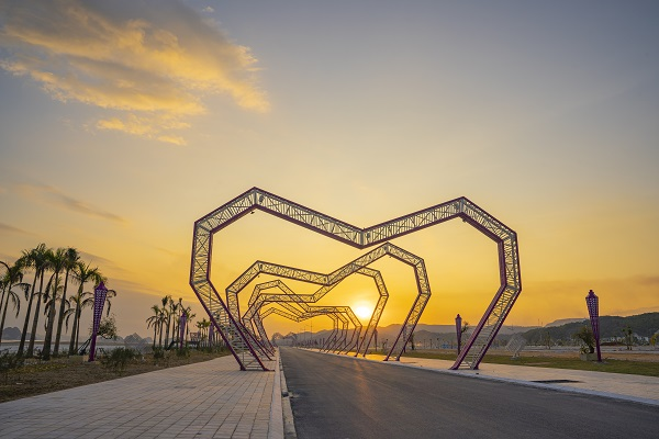 Con đường tình yêu nổi tiếng tại Vân Đồn