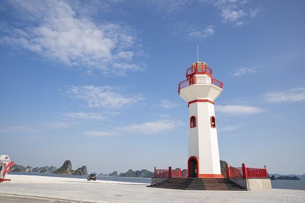 Ngọn hải đăng tại Khu đô thị Phương Đông