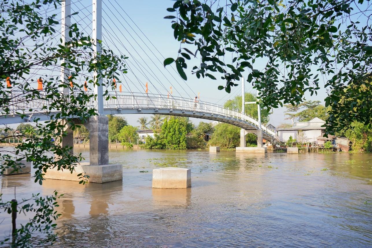Cây cầu hoàn thành sẽ giúp khoảng hơn 400 người qua lại an toàn mỗi ngày