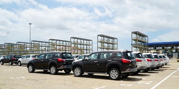 Các hãng xe đang nỗ lực giảm giá bán, góp phần giảm lượng xe tồn kho (Ảnh minh họa)