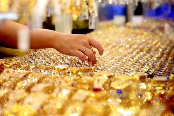 Giá vàng ngày Thần tài vượt 45 triệu đồng/lượng