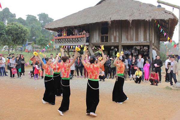 Sinh hoạt văn hóa của đồng bào dân tộc Thái