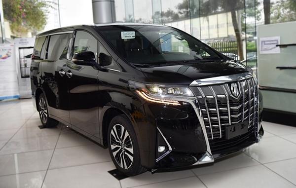 Toyota Alphard tại Việt Nam có giá bán khoảng 4,03 tỷ đồng