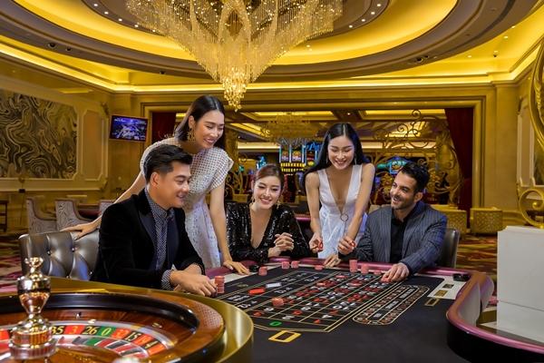 Vinpearl trực tiếp xúc tiến quảng bá sản phẩm du lịch và phát triển kinh doanh tại nước ngoài để đa dạng thị trường du khách và mở rộng tầm ảnh hưởng của thương hiệu tới quốc tế
