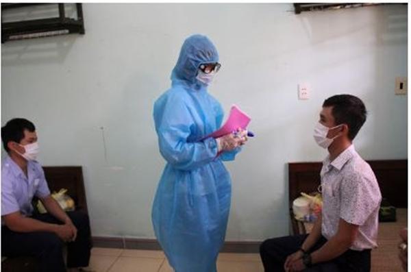 Diễn tập cách ly người nghi nhiễm Covid-19 ở tỉnh Quảng Trị (Ảnh NLĐ)