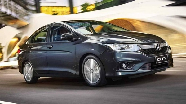 Nhiều mẫu xe ô tô tầm giá 500 triệu giảm mạnh tại thị trường Việt Nam
