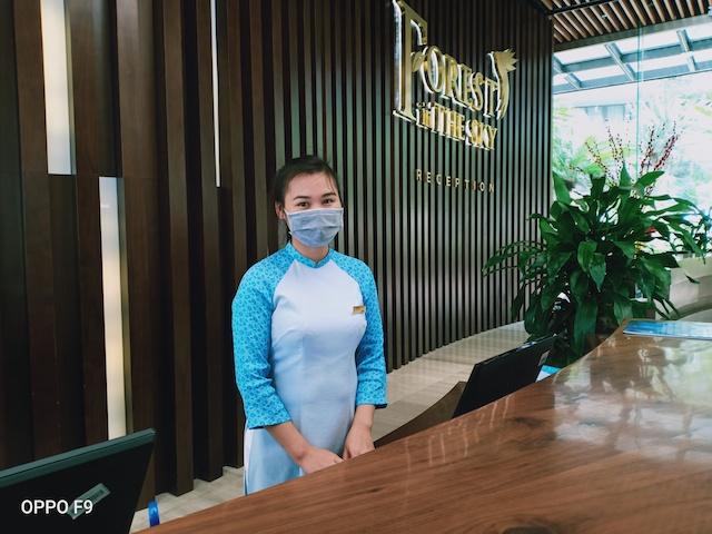 Lễ tân Nguyễn Thị Nghĩa tại Khách sạn 5 sao Forest in tho Sky cho biết lượng khách trong ngày 7 và 8/3 vừa qua rất vắng.