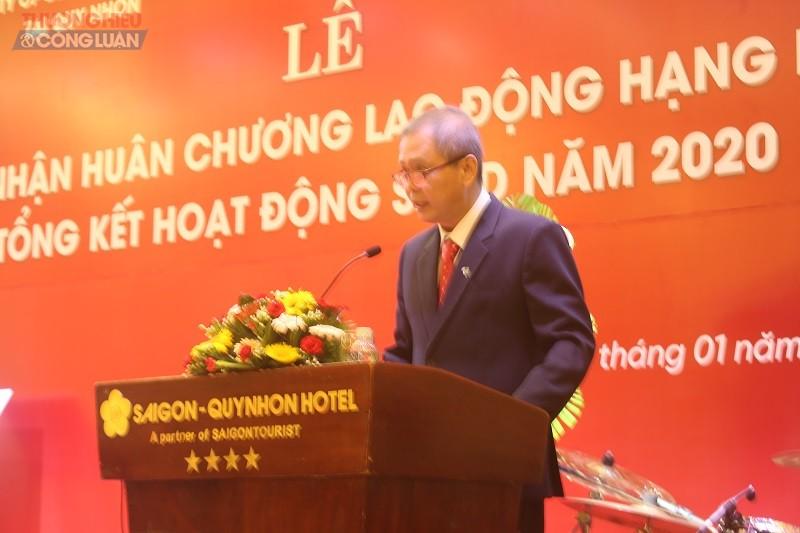 Giám đốc Chi nhánh Công ty CP bia Sài Gòn-Miền Trung tại Quy Nhơn, Nguyễn Hoàng Long phát biểu tại buổi lễ