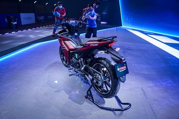 Yamaha Exciter 155 VVA đã có mặt tại các đại lý Yamaha Town trên toàn quốc với mức giá chênh từ 5 – 7 triệu đồng so với giá niêm yết.
