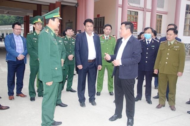 ông Nguyễn Văn Thi,  Phó Chủ tịch UBND tỉnh, Trưởng Ban Chỉ đạo 389 tỉnh Thanh Hóa, đã đi kiểm tra tình hình tại