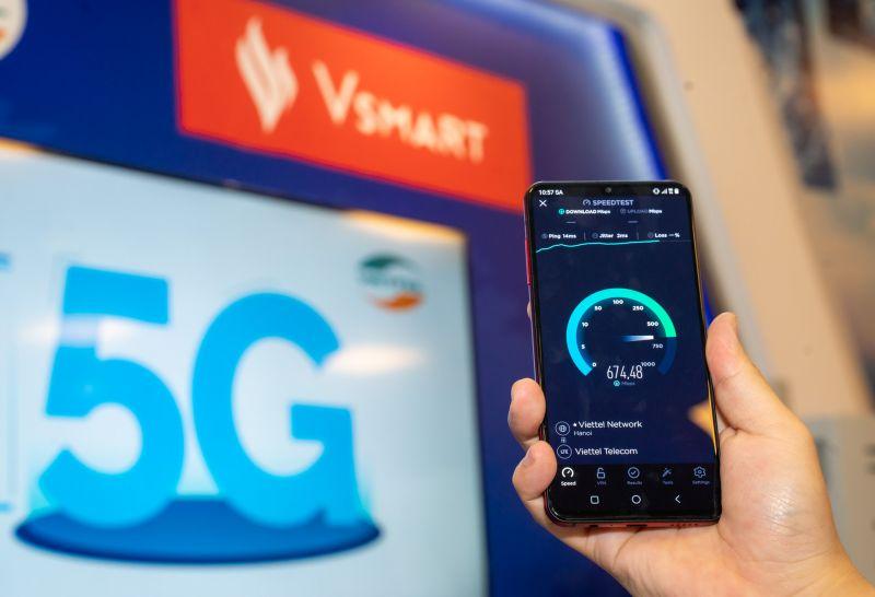Thử nghiệm của Cục Viễn thông trên Vsmart Aris 5G cho kết quả tốc độ 5G trên mẫu điện thoại này cao gấp 8 lần so với tốc độ 4G.