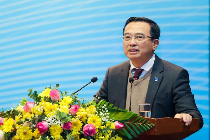 Chủ tịch HĐTV Hoàng Quốc Vượng phát biểu