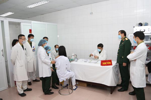 Tình nguyện viên tham gia thử nghiệm vắc xin Nanocovax