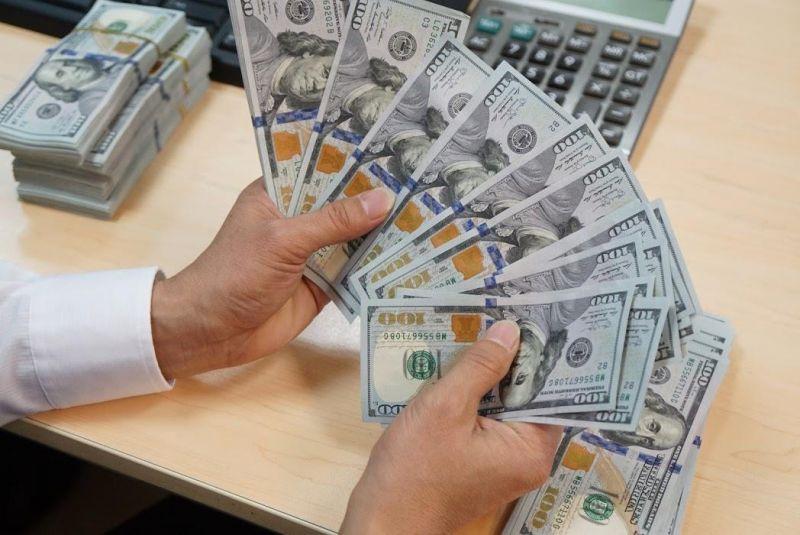 Tỷ giá USD hôm nay 13/1: USD quay đầu giảm