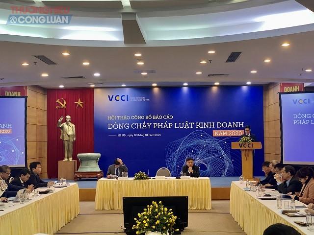 """VCCI công bố báo cáo """"Dòng chảy pháp luật kinh doanh Việt Nam năm 2020"""