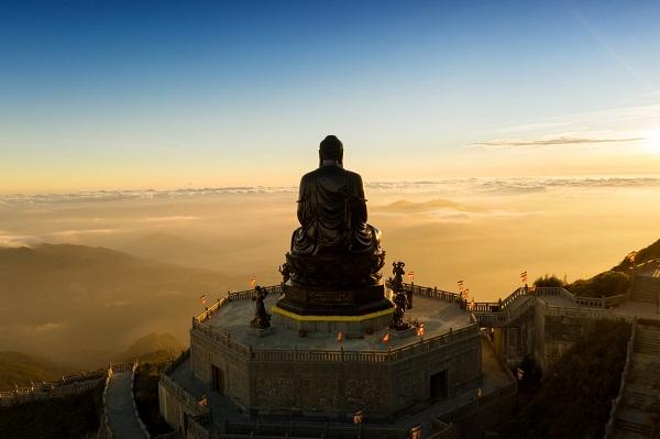 Một góc máy khác nhiếp ảnh gia Lê Việt Khánh chụp Đại tượng Phật trên đỉnh Fansipan